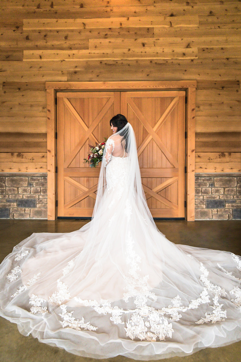 the-barn-at-sycamore-farms-wedding-bride.jpg