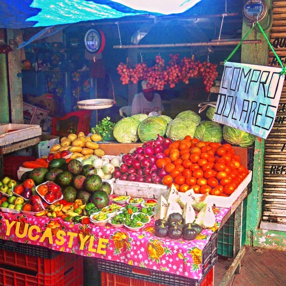 You will find local products for sale on the road all around the Peninsula. Stop to learn more about Mayan Culture and typical food and products.