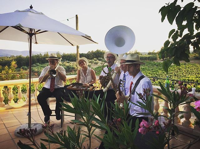 Had a fun time talking jazz and trading sets with the Jazzticots at Elfie & Dirks wedding at @chateaudesselves If you're looking for that classic Django vibe, this is your band. - -  #bestjobever #weddingdj #americandjinfrance #destinationwedding #provence #provencewedding #chateauwedding #frenchwedding #frenchweddingstyle #treschic