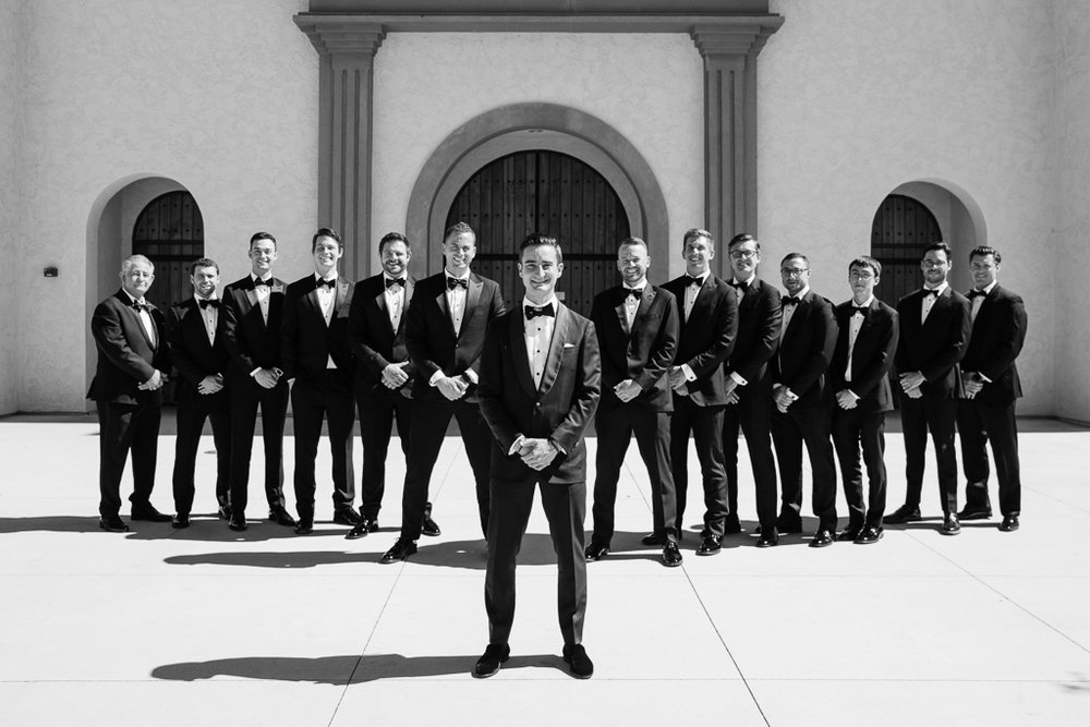 cool groomsmen photos.jpg
