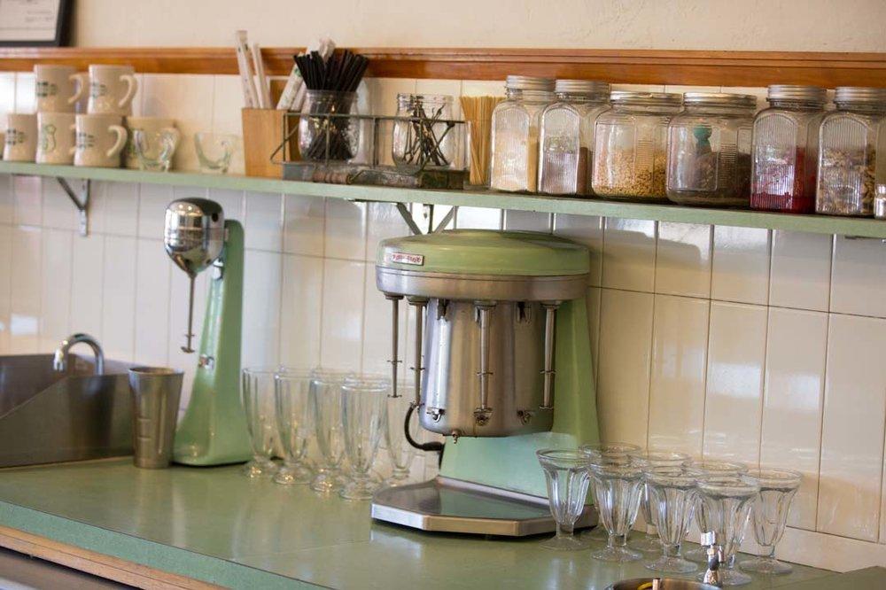 mint green appliances.jpg