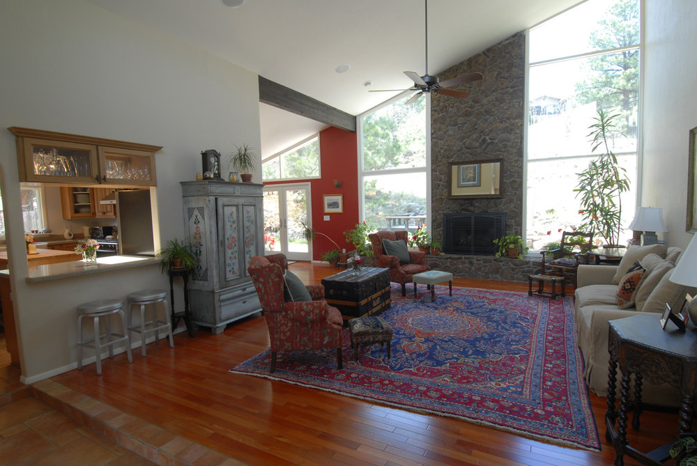 traditional living room.jpg