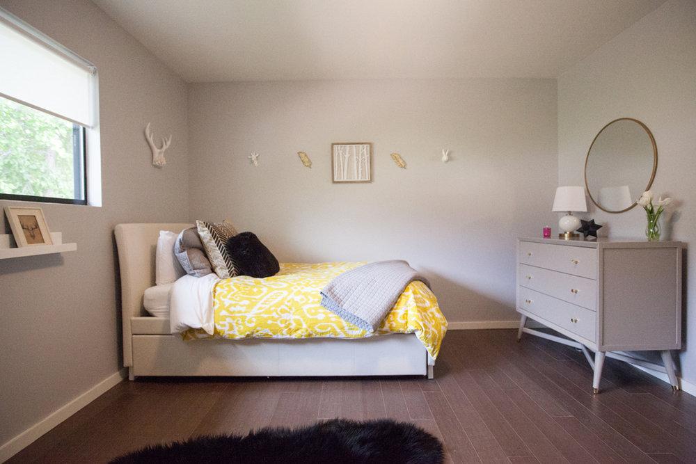 girls room.jpg