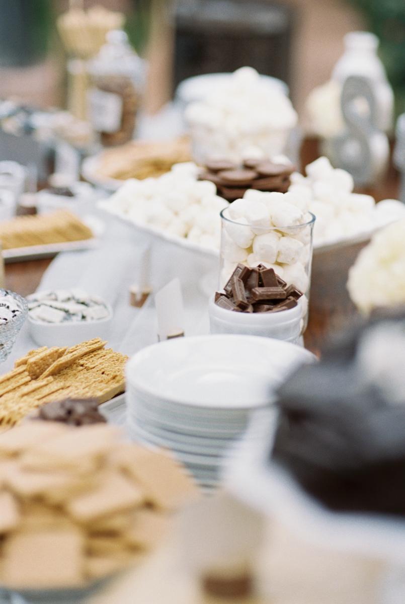 dessert table ideas.jpg