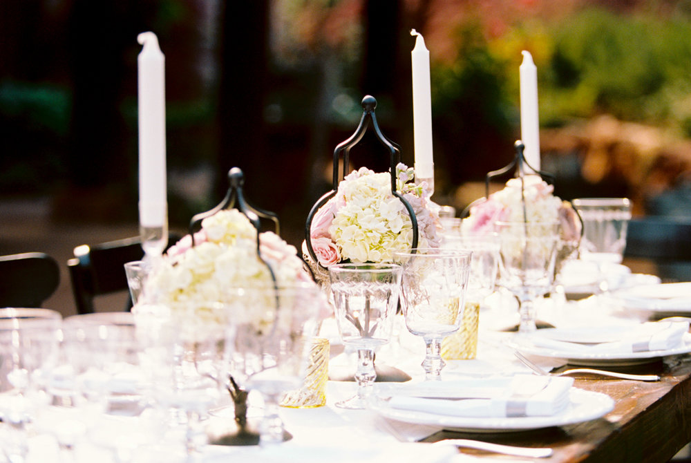 pink and white centerpieces.jpg