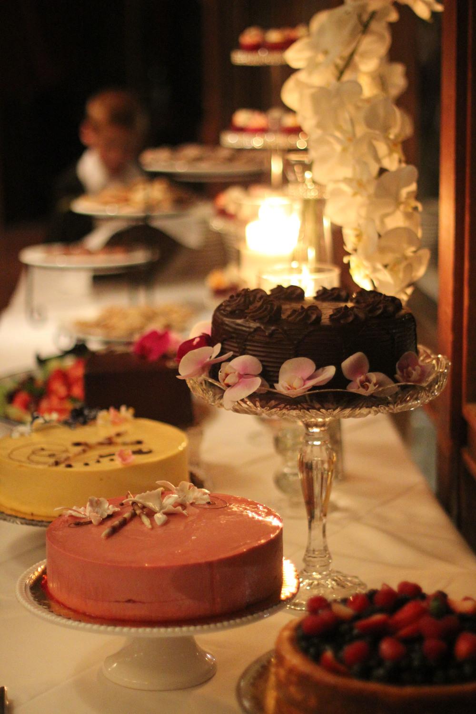 E&K Cake Table.jpg