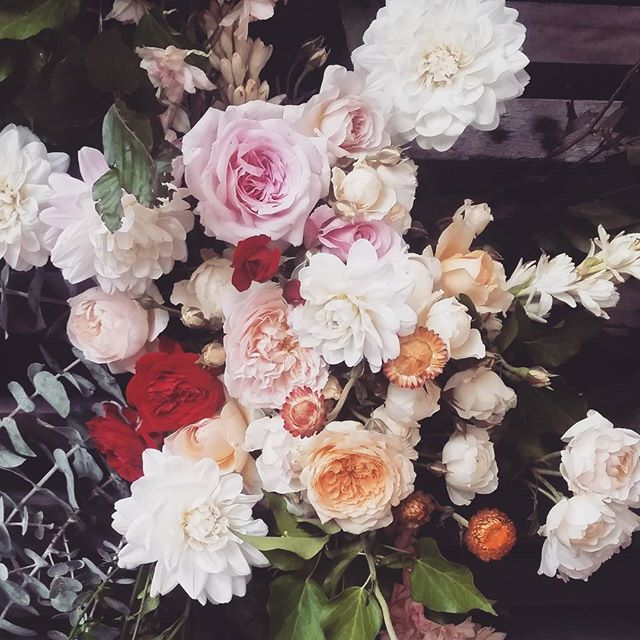 Close up of the archway. Such a nice couple to flower for- lovely, easy-going with great ideas and taste! Congratulations Rachel & @nickboag xx