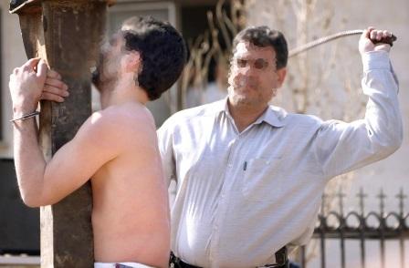 Bilden uppges visa prygel av Raif Badawi den 9 januari i år. Trots smärtan skrek han aldrig, berättade ögonvittnen.