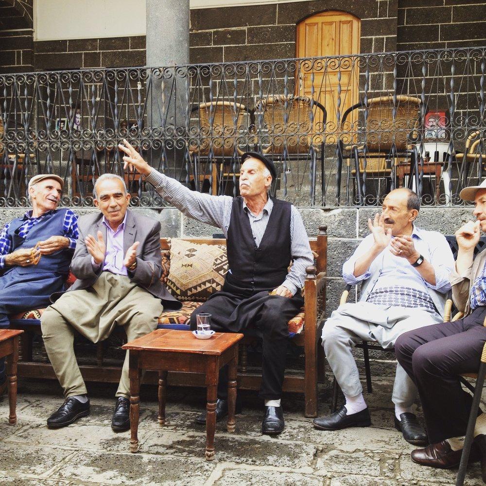I dengbêjernas hus i Diyarbakirs gamla stad sommaren 2015. Foto: Bitte Hammargren