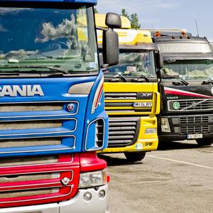 Bussar & lastbilar