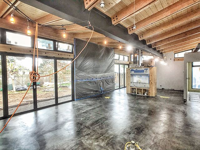 And since we're focused on flooring this week... . Radiant concrete floors got sealed.  Such a pleasure to walk around barefoot on a warm (and clean) slab! . More importantly, the place is empty and we're ready for cabinets/built-ins. . This place should transform in mere days from empty shell to home!! . . . #concrete #slab #indooroutdoor #concretefloors #radiantheatedfloors #gettingthere #patience #radiantfloor #interiors #interiordesign #id #doublesidedfireplace #butterflyhouse #butterflyroof #pdxmodern #pnwmodern #pnwdesign #pnwarchitecture #customhome #design #moderndesign #modernhome #buildsmalllivelarge #dwell #portlandmonthly #graymagazine