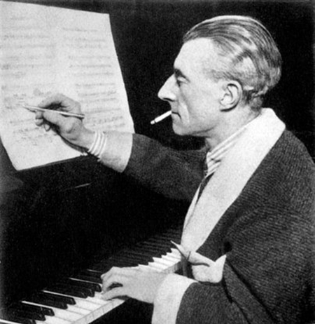 maurice-ravel-smoking.jpg