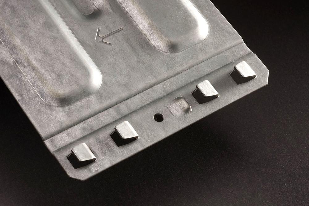 product foto van legborddragers gemaakt op een WEMO productielijn