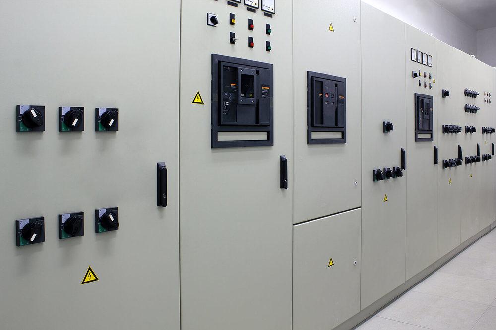 Blechbearbeitung Produktionslinie für Schaltschränke