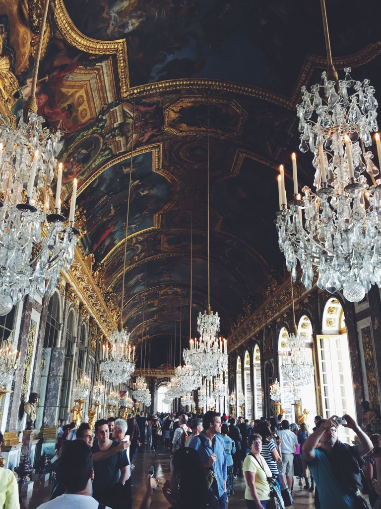 Louis' Hall of Mirrors (and apparently selfies).