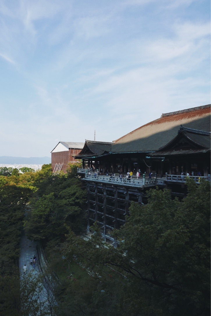 Morning at Kiyomizu-dera.
