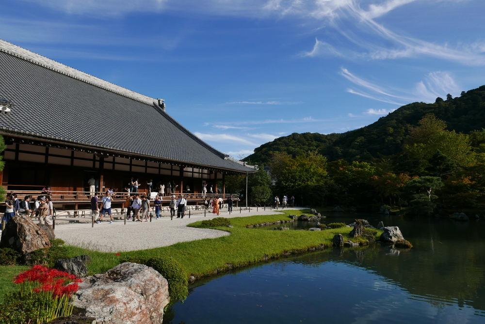 The zen garden at Tenryu-ji has remained unchanged since the 14th century.