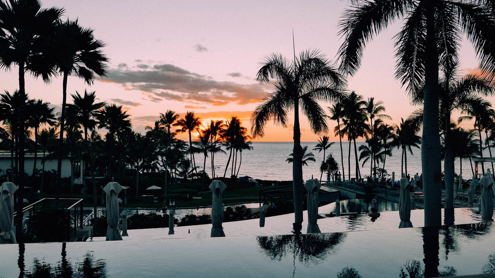Mirror-like cascading infinity pools that were made for sunsets.