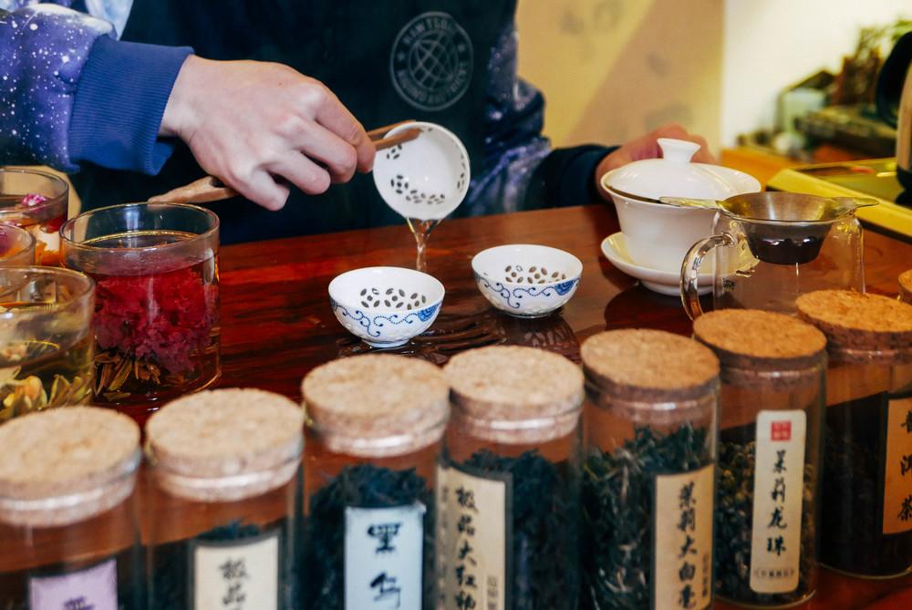 Learning the proper way to make jasmine tea.