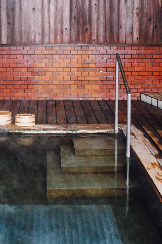 nagano-japan-hot-spring.jpg