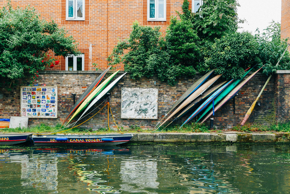 {Strolling the Regent's Canal}