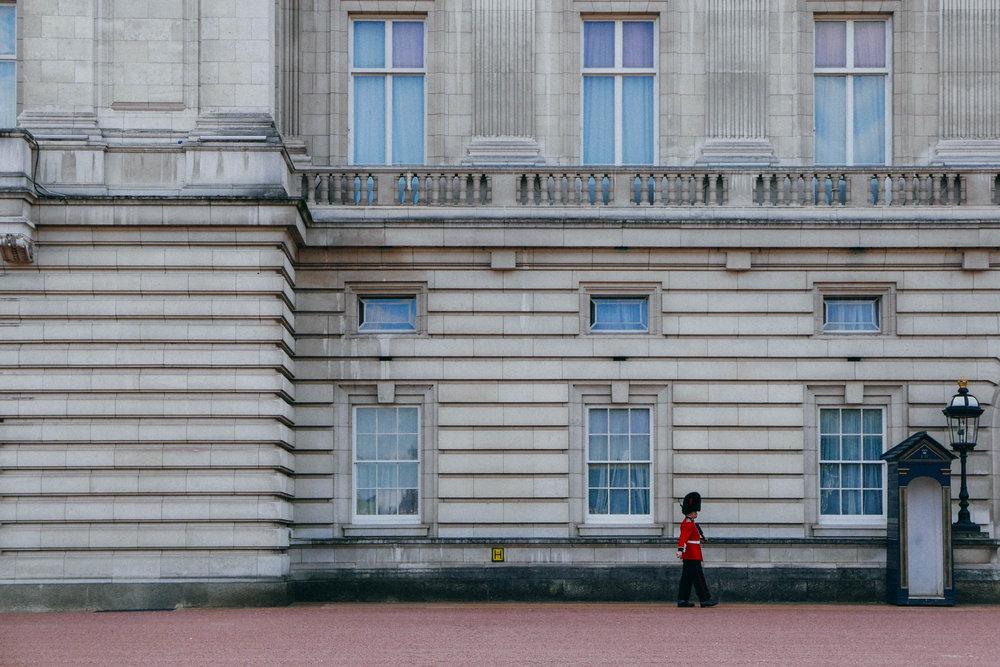 {Buckingham Palace}
