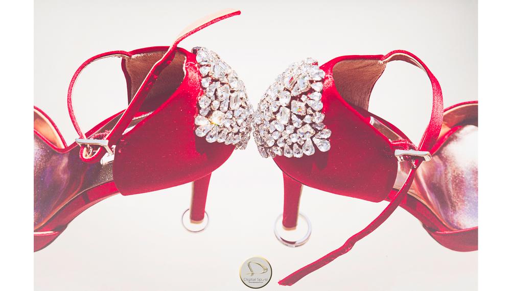 foto dettagli scarpe sposa lucca