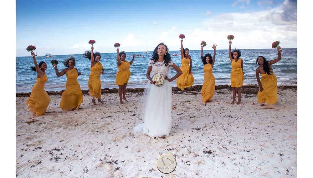 foto sposa e damigelle in spiaggia lucca