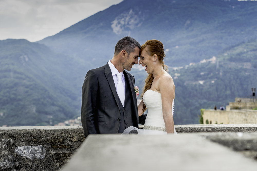 """matrimonio in toscana - online a breve   SPESSO RIMANIAMO INTRAPPOLATI NELLE CORSE GIORNALIERE DEL LAVORO E CI DIMENTICHIAMO DI RACCONTARE LE STORIE CHE VIVIAMO CON I NOSTRI SPOSI E CLIENTI. SELEZIONIAMO ALCUNE IMMAGINI E LE PUBBLICHIAMO IN PRIMA PAGINA OPPURE SUI SOCIAL PER POI ANDARE AVANTI. OPPURE RINCORRIAMO I VARI """"WEDDING BLOG"""" CON LA SPERANZA CHE PUBBLICHINO I NOSTRI SCATTI. MA QUALE PIATTAFORMA MIGLIORE PER RACCONTARE LE STORIE CHE ABBIAMO VISSUTO IN PRIMA PERSONA CON I NOSTRI SPOSI SE NON LA NOSTRA? QUESTE SONO ALCUNE DELLE STORIE CHE ABBIAMO AVUTO IL PIACERE DI VIVERE."""
