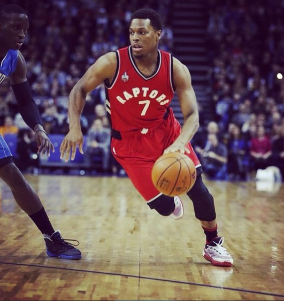 Raptors star Kyle Lowrey takes on the Orlando Magic defence