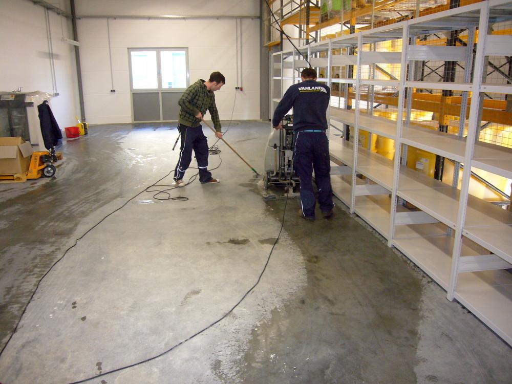 Maschinelle Reinigung von Industrieanlagen