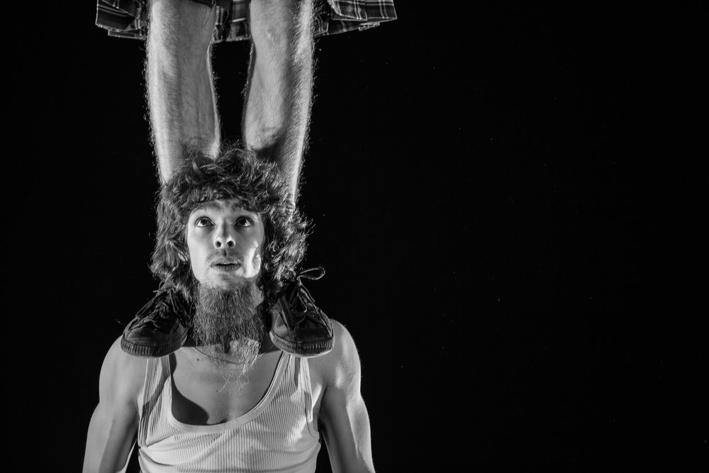 100% Circus - Mikkel Hobitz og Julien Auger (DK/FR)Årets eksklusive gjestespill kan skilte med det ypperste innen europeisk sirkus som scenekunst, og det attpåtil i kilt! 100% Circus er en vill, vanvittig og hylende morsom forestilling fra Mikkel Hobitz og Julien Auger. Ikke gå glipp av denne spektakulære forestillingen, folkens!Billetter: 200,–/150,–Passer for hele familienFre 1. sept kl 18.30Lør 2. sept kl 14.00Søn 3. sept kl 14.00