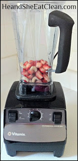 vitamix_banana_strawberry_cashews_ice_cream+(3).jpg