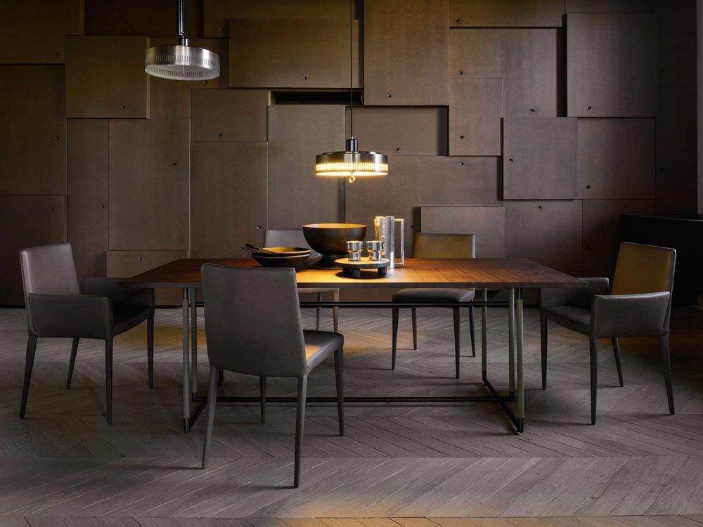 - Funktionell, hochwertig und formschön:unsere Tische und Stühle