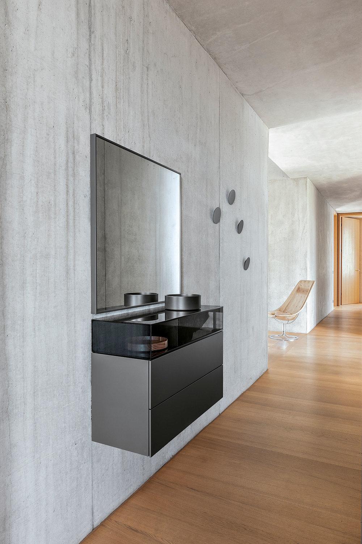 cosmo-lowboard-granit-capsule-schale-granit-disk-wandhaken-granit-individual-spiegel-granit-schoenbuch-am-4.jpg