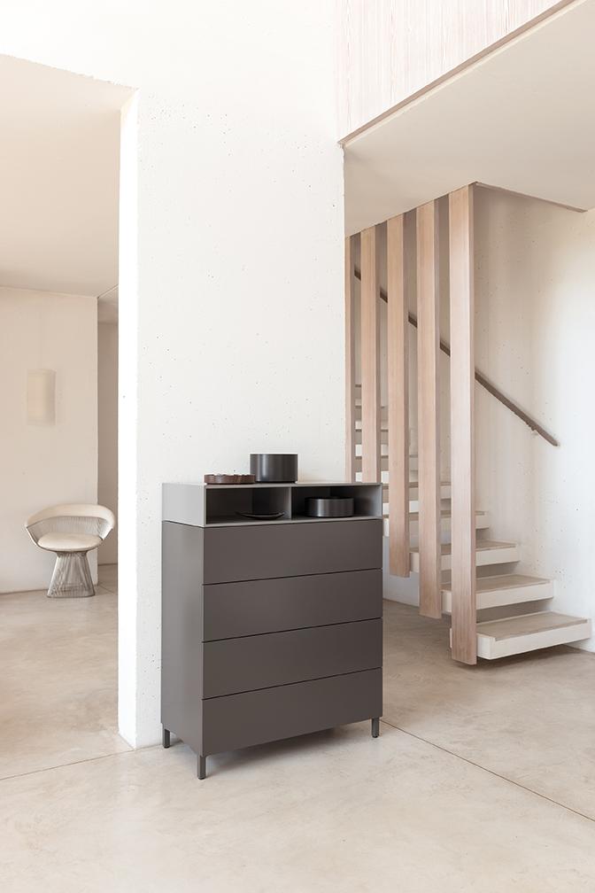 cosmo-sideboard-kommode-granit-schoenbuch-capsule-schale-ablage-aufbewahrung-schieferschwarz-nussbaum-am-1.jpg
