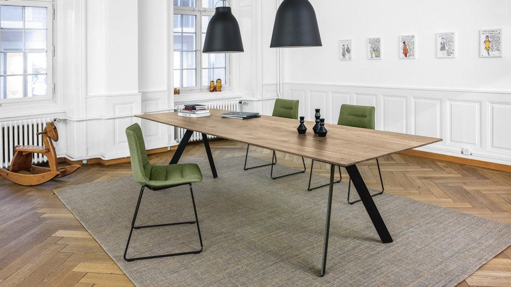 Tisch BARRA + Stuhl NAVA