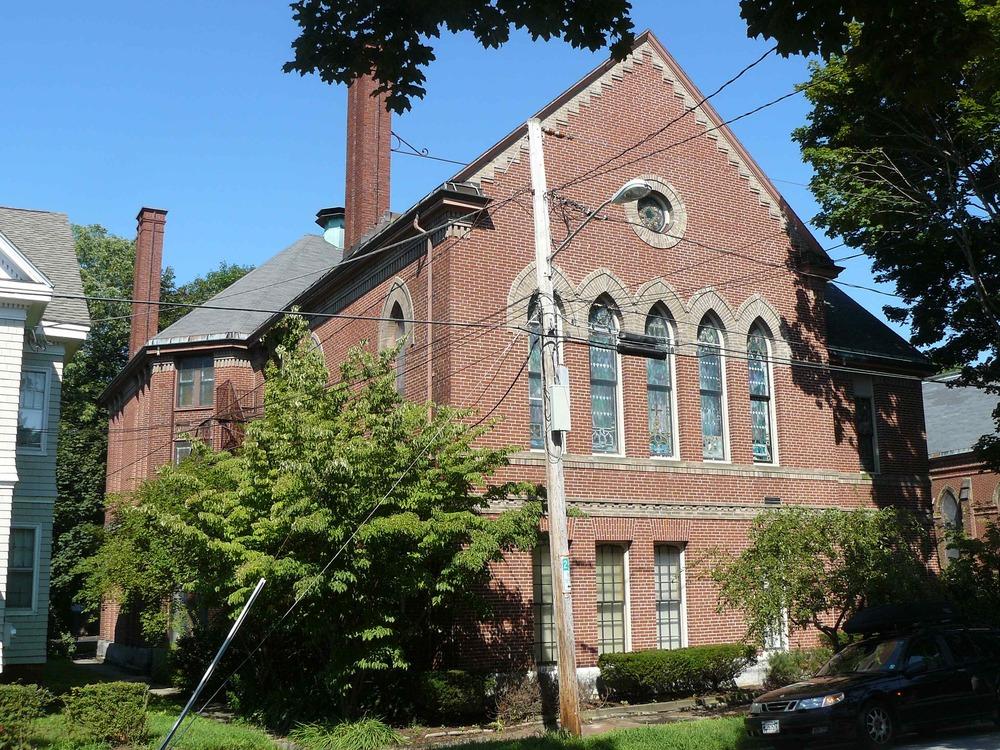 32_Thomas_St_Aug_2012_Parish_House_01.jpg