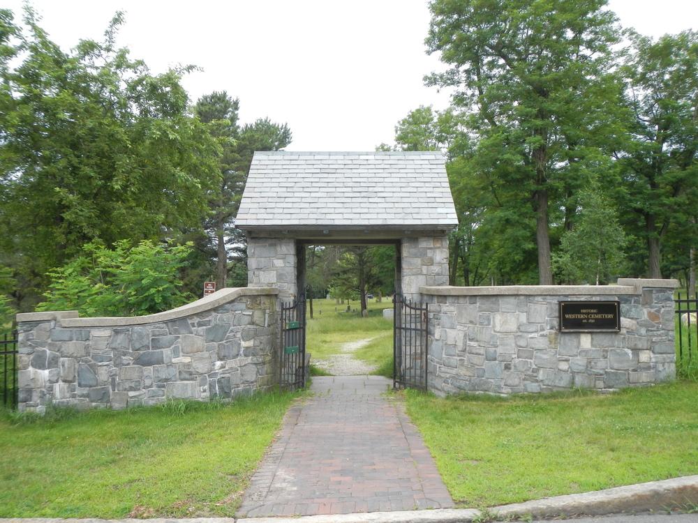 Porltand_Western_Cemetery_Davis_Gate_Viewing_West_2013.JPG