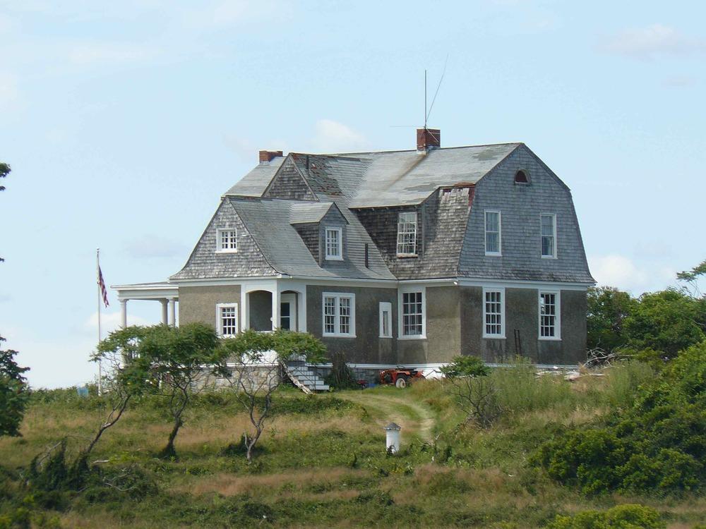 House_Island_July_2012_84_Surgeon_General_House.JPG