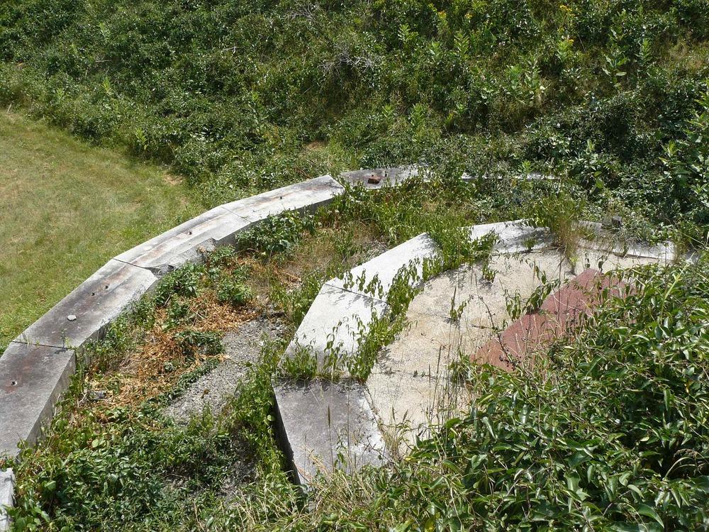 House_Island_July_2012_39_Ft_Scammell_gun_mount.JPG