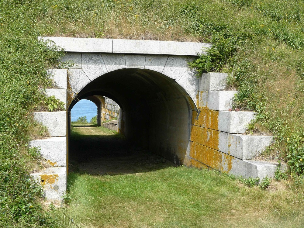 House_Island_July_2012_33_Ft_Scammell_Tunnel.JPG