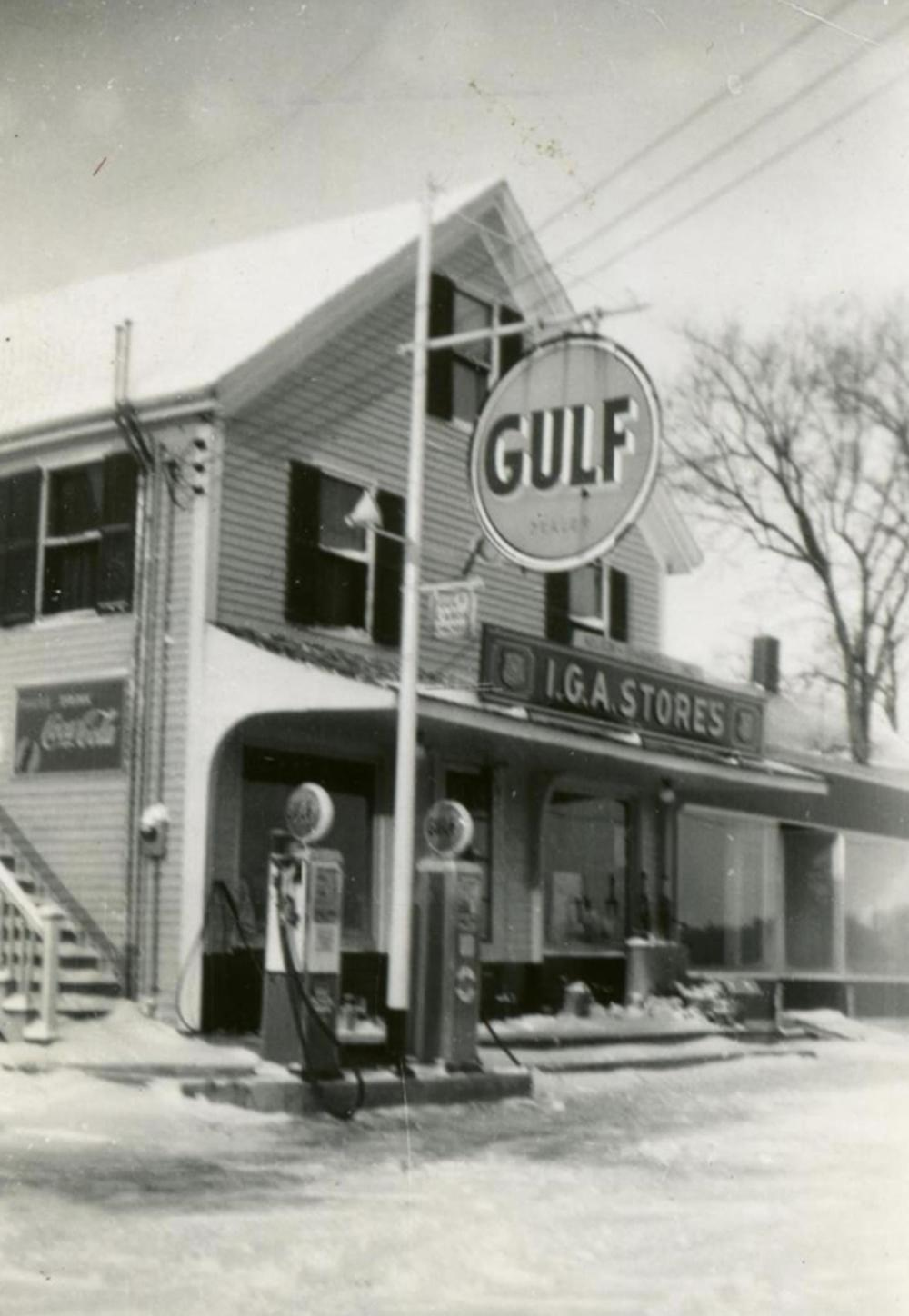 Walnut Hill IGA store in North Yarmouth, c1946. North Yarmouth Historical Society.