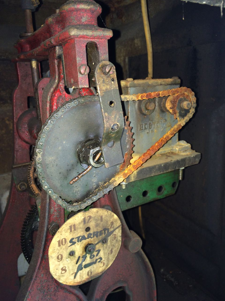 J_Seth_Thomas_chain_drive_internal_indicator.jpg
