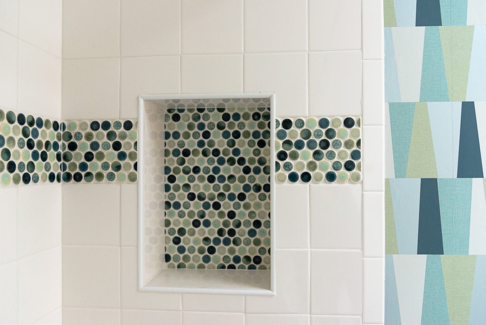 Penny tile by    Distinctive Tile and Design    and wallpaper provided by    Maine Paint    come together perfectly in a coastal color scheme. Both companies will be exhibiting at the 2019 Old House Trade Show.