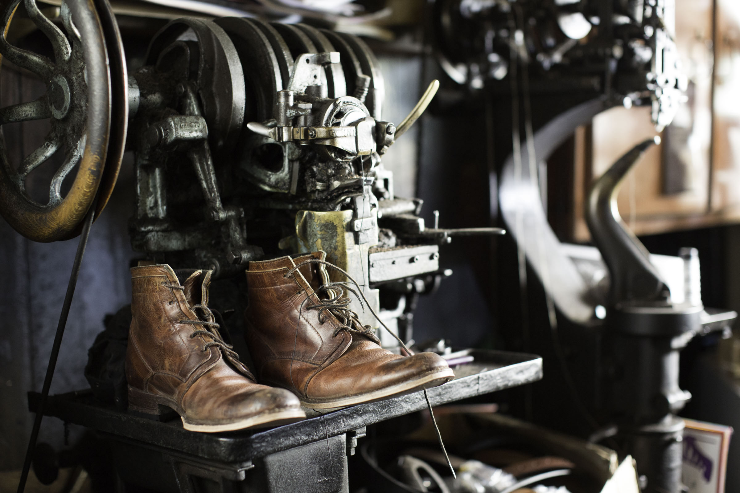 aff8d8f2ff916 About — Isaac Jackman - Shoe Repairs