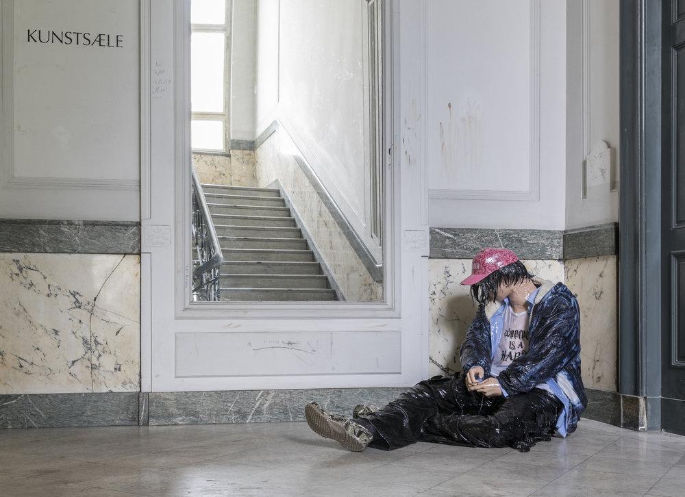 Böhler & Orendt, Rast auf der Flucht vor der Auseinandersetzung mit der Abgefucktheit des Ist-Zustands 2, 2017/2018; Courtesy ELKB, Co-produziert von KUNSTSAELE Berlin © Frank Sperling