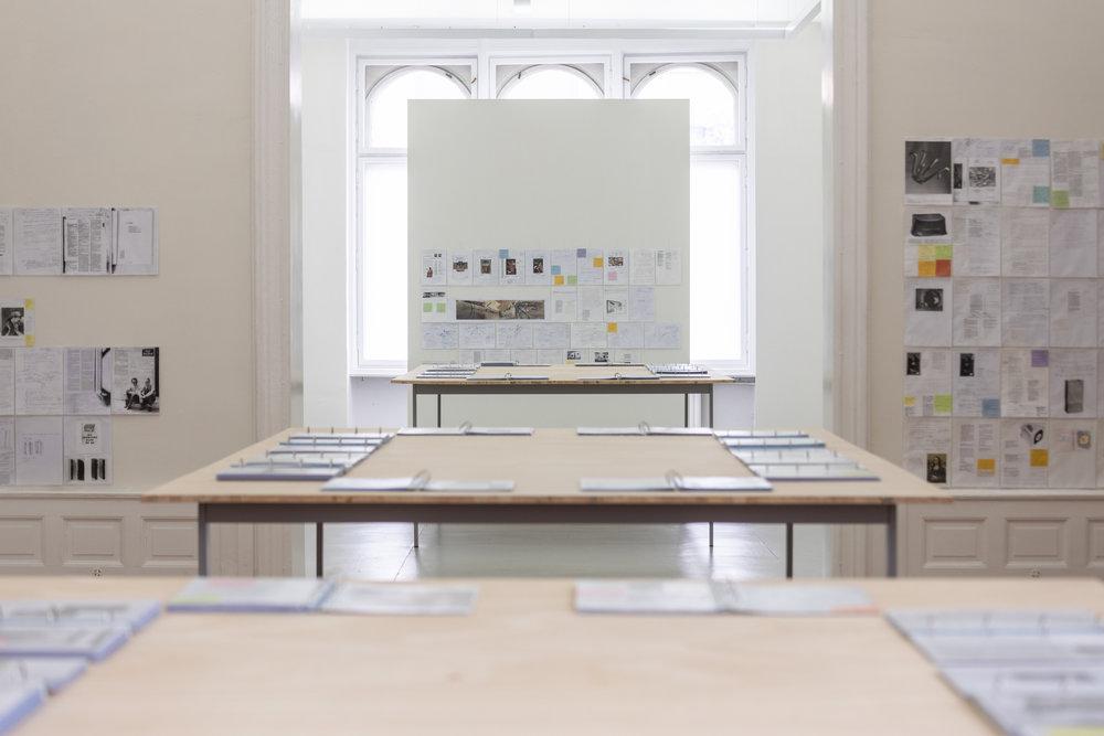 Installation views Bethan Huws: Reading Duchamp - Research Notes 2007-2014, Kunstsaele Berlin, 2019 © Bethan Huws & VG-Bild-Kunst, Bonn 2019; Photo: Frank Sperling.