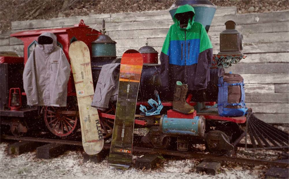 Burton Holiday 2014 Mens Snowboarding Gear