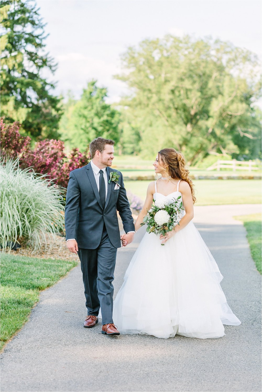 What's better than a sunny wedding day at  The Lake Club  on Evan's Lake? Nothing!